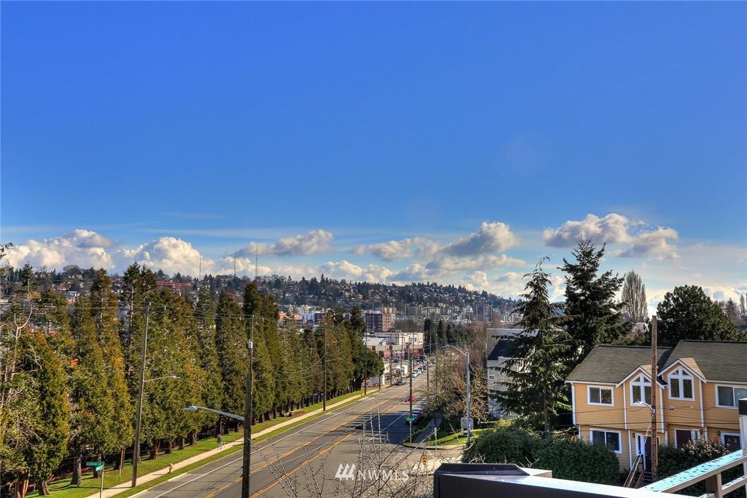 Sold Property   3825 Gilman Ave W Seattle, WA 98199 12