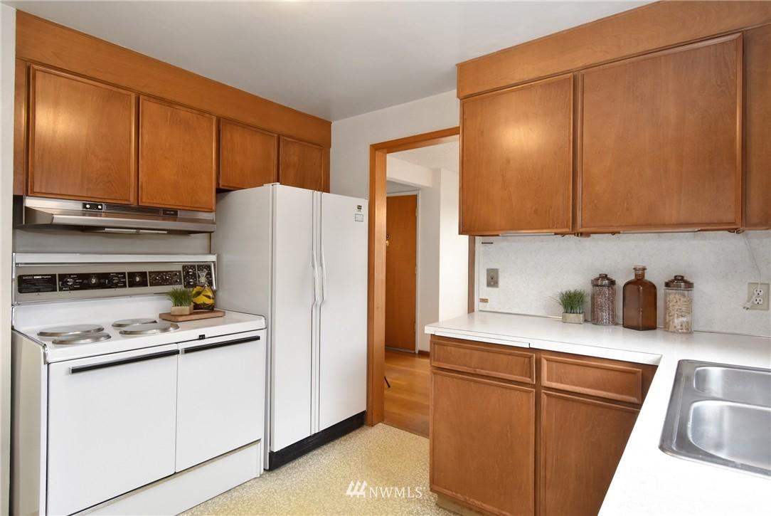 Sold Property | 3022 13th Avenue W Seattle, WA 98119 7