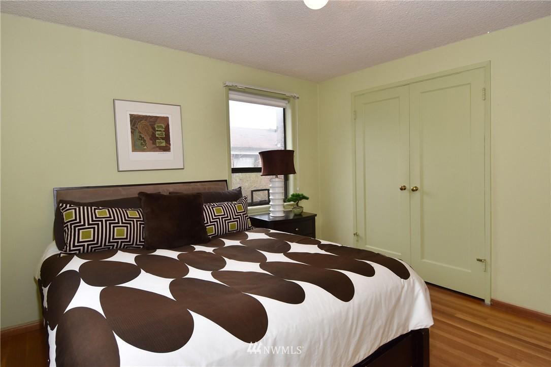 Sold Property | 3022 13th Avenue W Seattle, WA 98119 8