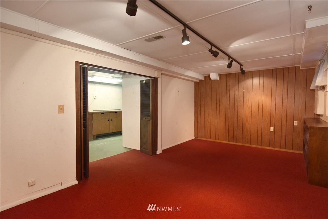 Sold Property | 3022 13th Avenue W Seattle, WA 98119 18