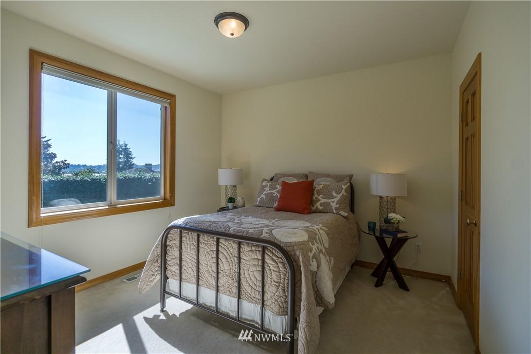 Sold Property   11224 Champagne Point Lane NE Kirkland, WA 98034 14