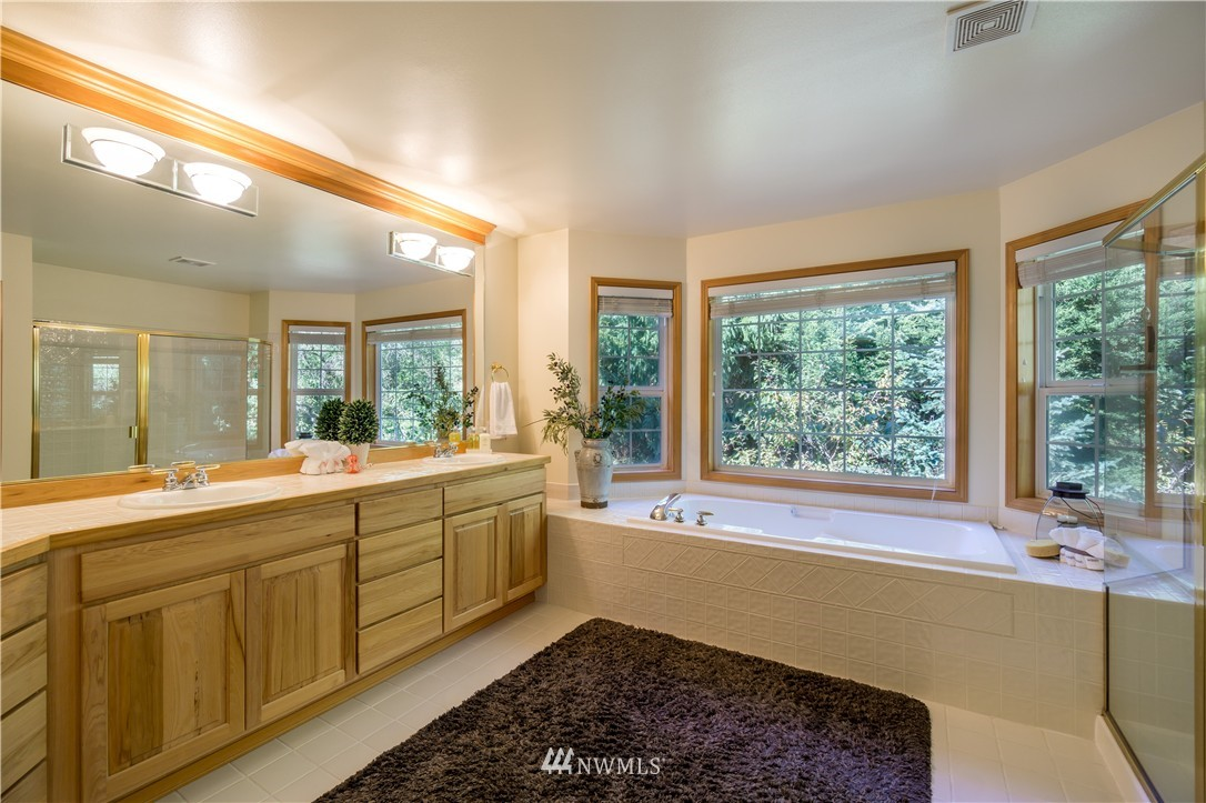 Sold Property | 11224 Champagne Point Lane NE Kirkland, WA 98034 13
