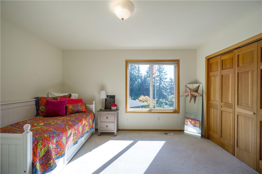 Sold Property   11224 Champagne Point Lane NE Kirkland, WA 98034 15