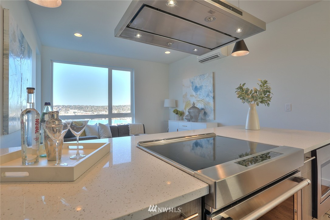 Sold Property   1232 W Emerson Street Seattle, WA 98119 12