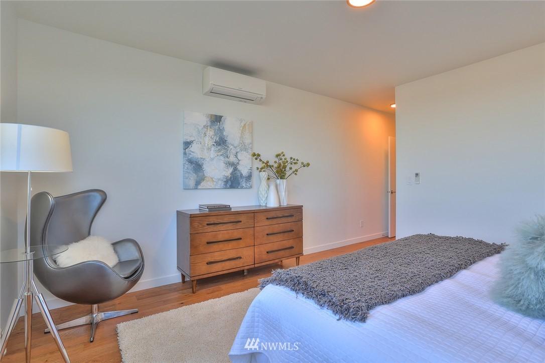 Sold Property   1232 W Emerson Street Seattle, WA 98119 16