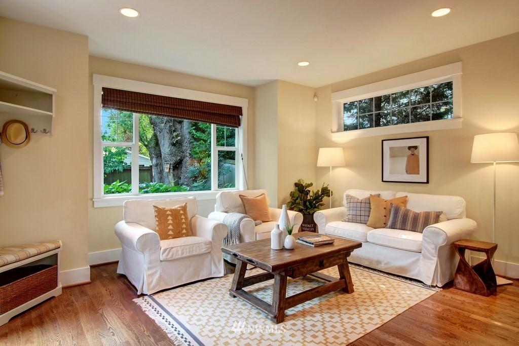 Sold Property | 4508 33rd Avenue W Seattle, WA 98199 9