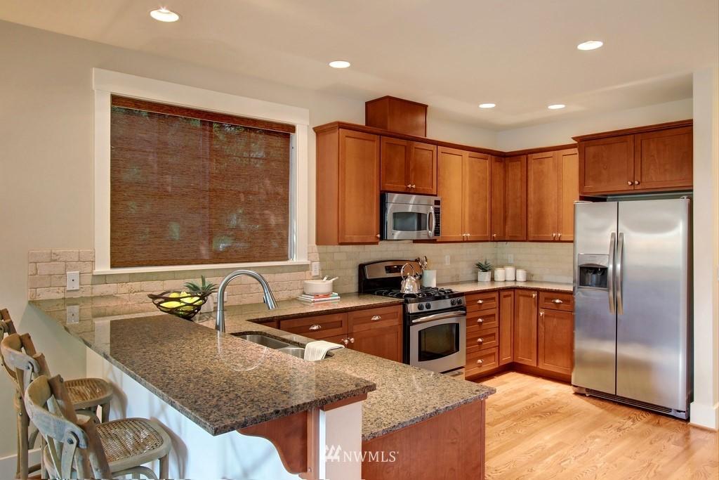 Sold Property | 4508 33rd Avenue W Seattle, WA 98199 10