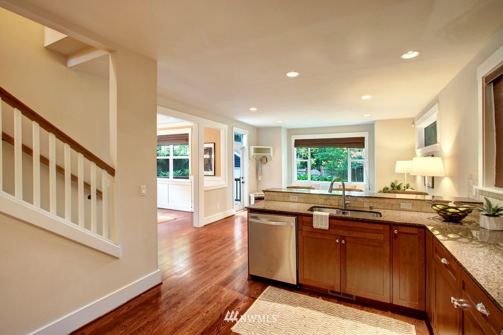 Sold Property | 4508 33rd Avenue W Seattle, WA 98199 11