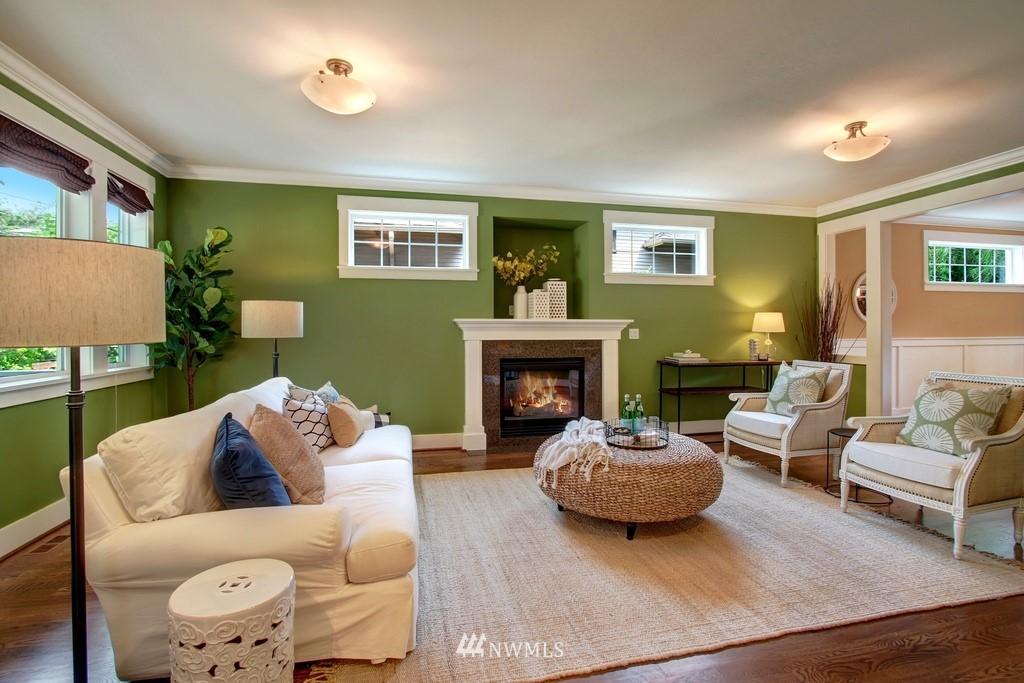 Sold Property | 4508 33rd Avenue W Seattle, WA 98199 2