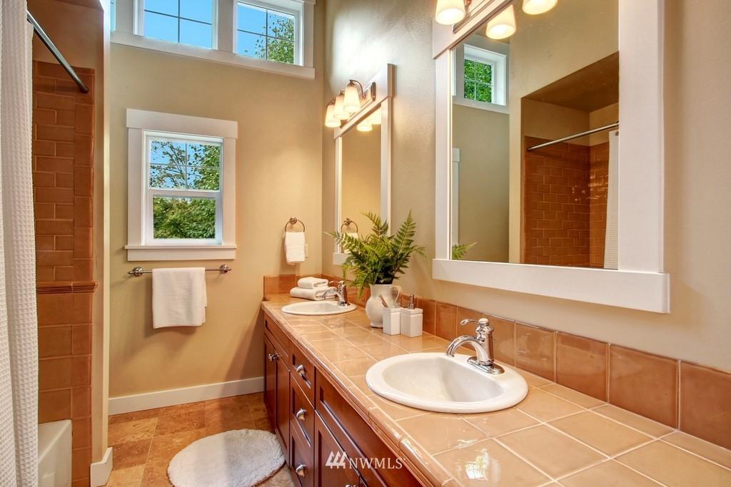 Sold Property | 4508 33rd Avenue W Seattle, WA 98199 15