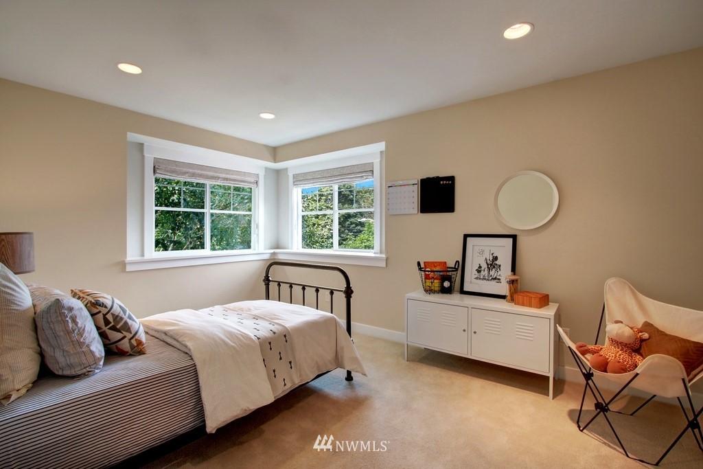 Sold Property | 4508 33rd Avenue W Seattle, WA 98199 14