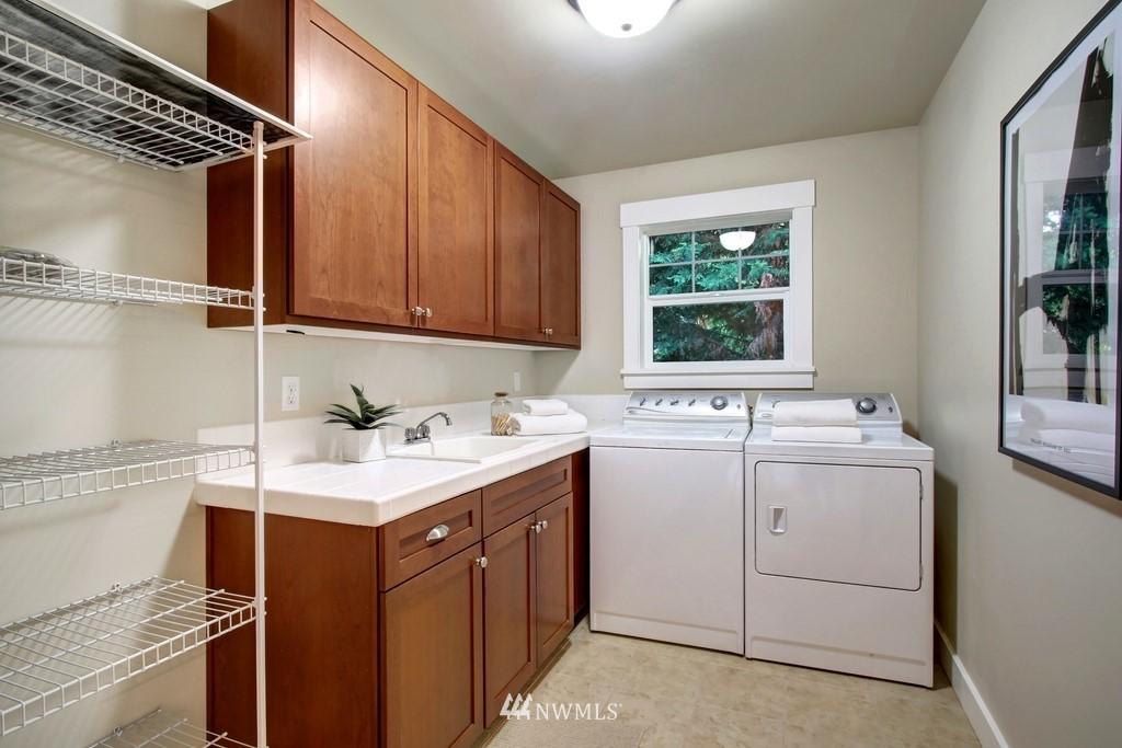 Sold Property | 4508 33rd Avenue W Seattle, WA 98199 18