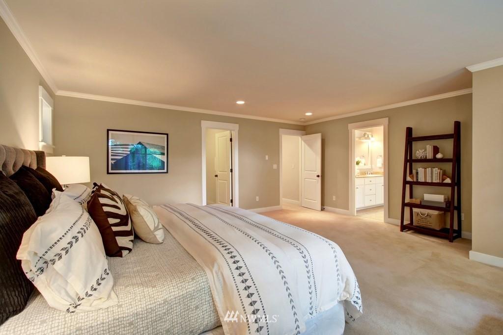 Sold Property | 4508 33rd Avenue W Seattle, WA 98199 20