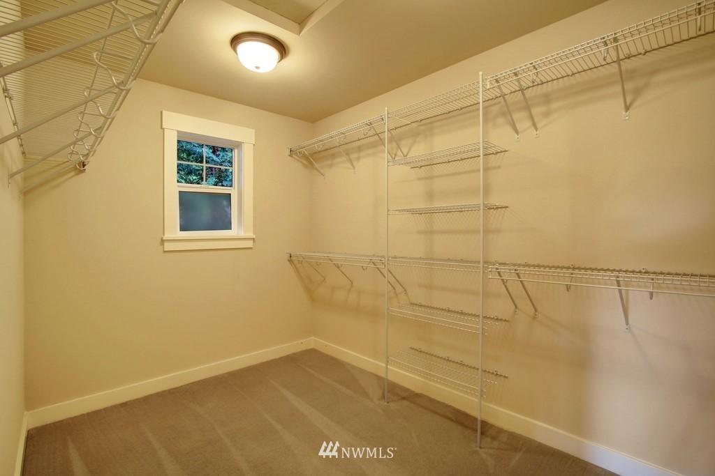 Sold Property | 4508 33rd Avenue W Seattle, WA 98199 21