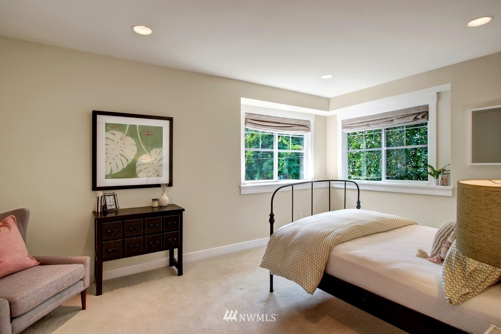Sold Property | 4508 33rd Avenue W Seattle, WA 98199 17