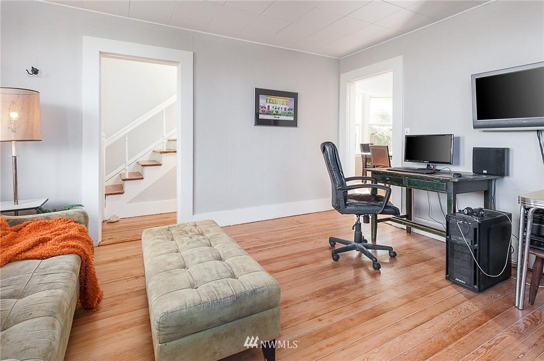 Sold Property   4209 5th Avenue NE Seattle, WA 98105 3