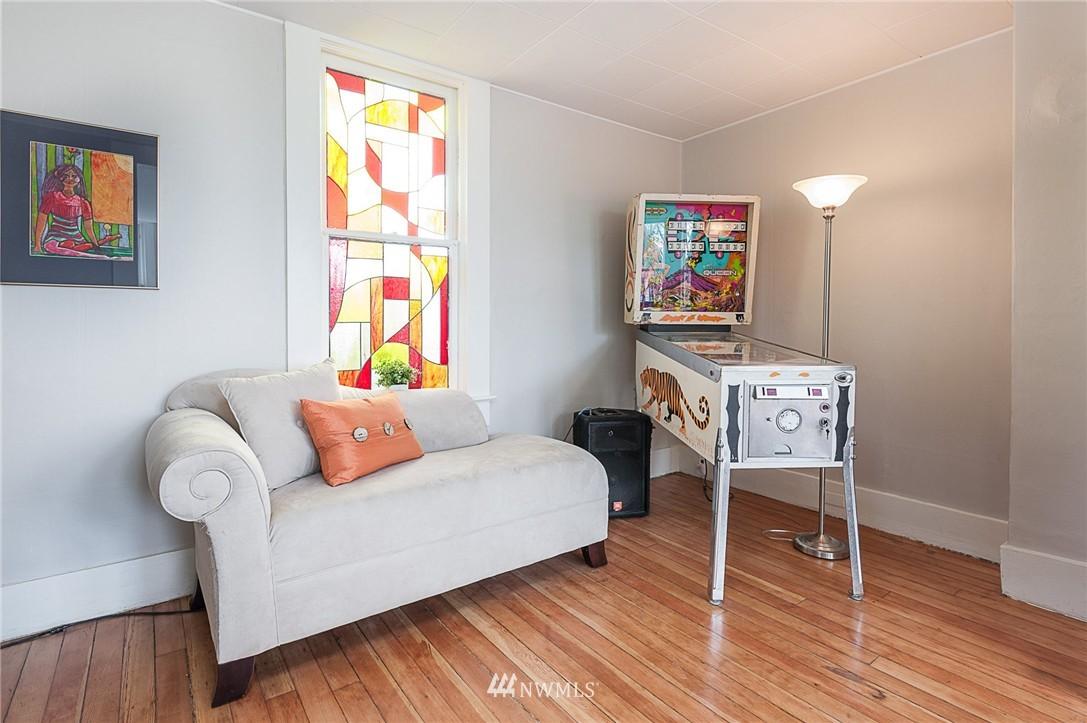 Sold Property   4209 5th Avenue NE Seattle, WA 98105 6