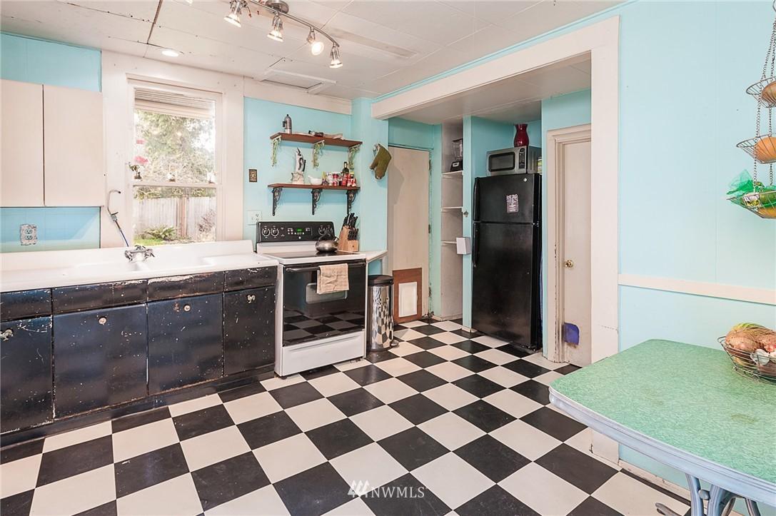 Sold Property   4209 5th Avenue NE Seattle, WA 98105 7