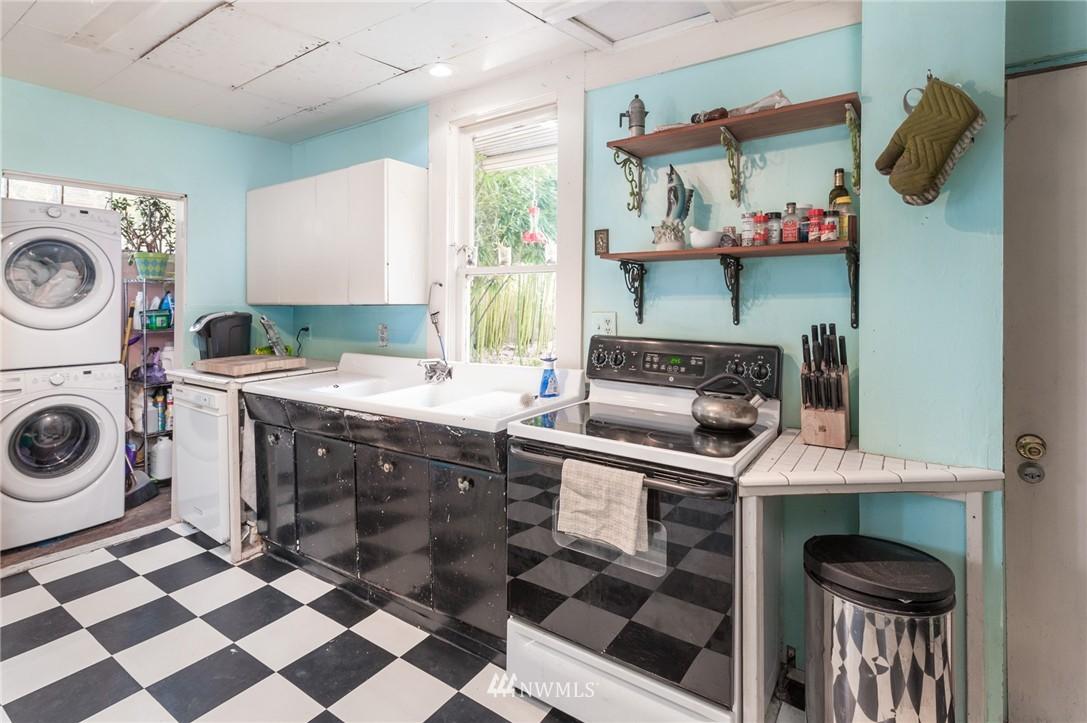 Sold Property   4209 5th Avenue NE Seattle, WA 98105 8