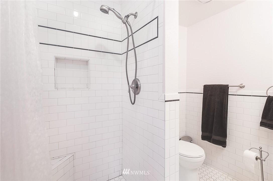 Sold Property   4209 5th Avenue NE Seattle, WA 98105 9