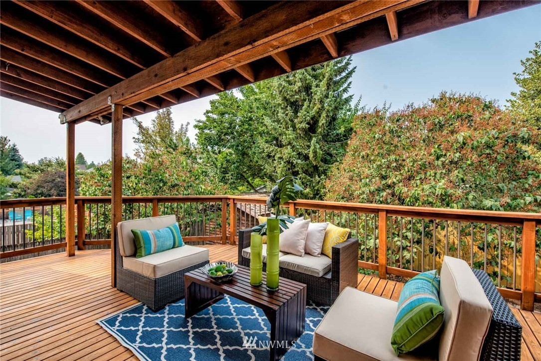 Sold Property | 310 NW 78th Street Seattle, WA 98117 10