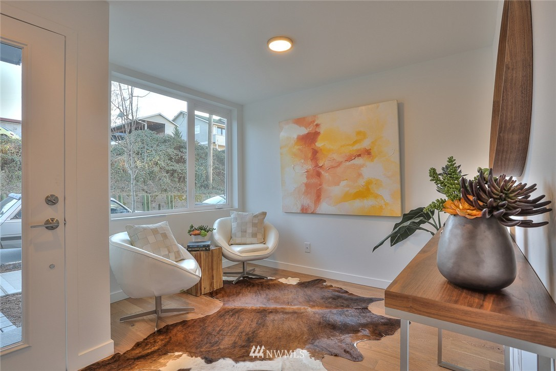 Sold Property   1220 W Emerson Street Seattle, WA 98119 3