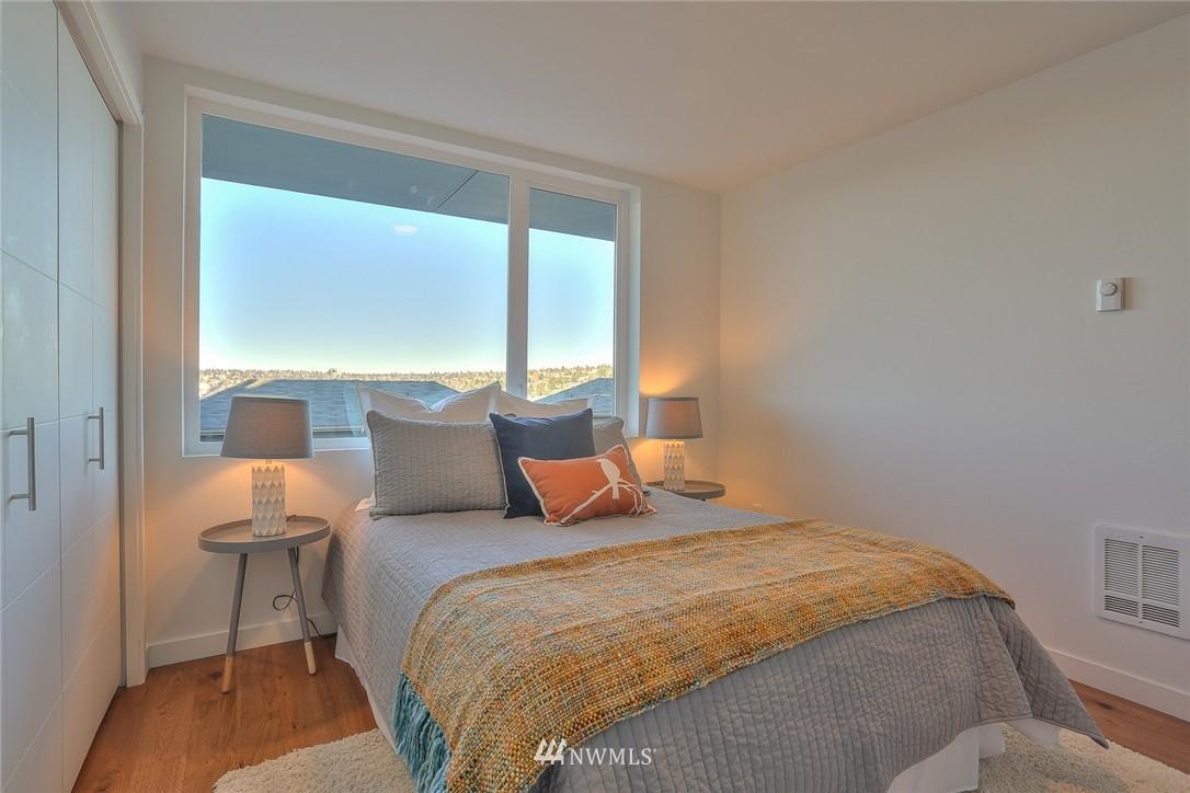 Sold Property   1220 W Emerson Street Seattle, WA 98119 5