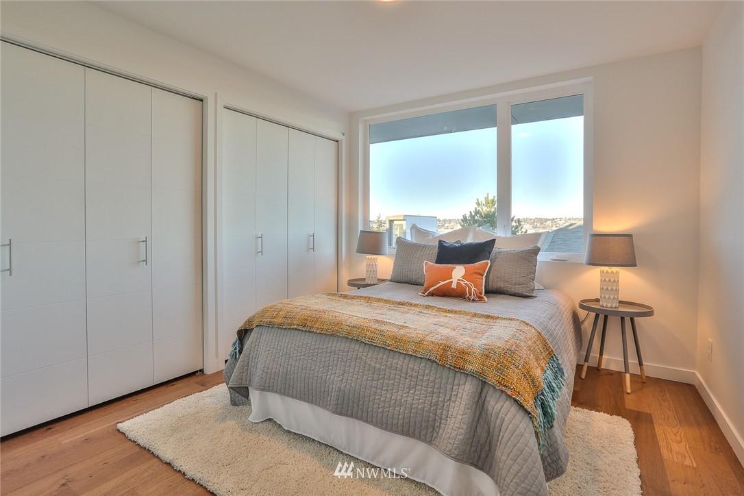 Sold Property   1220 W Emerson Street Seattle, WA 98119 6