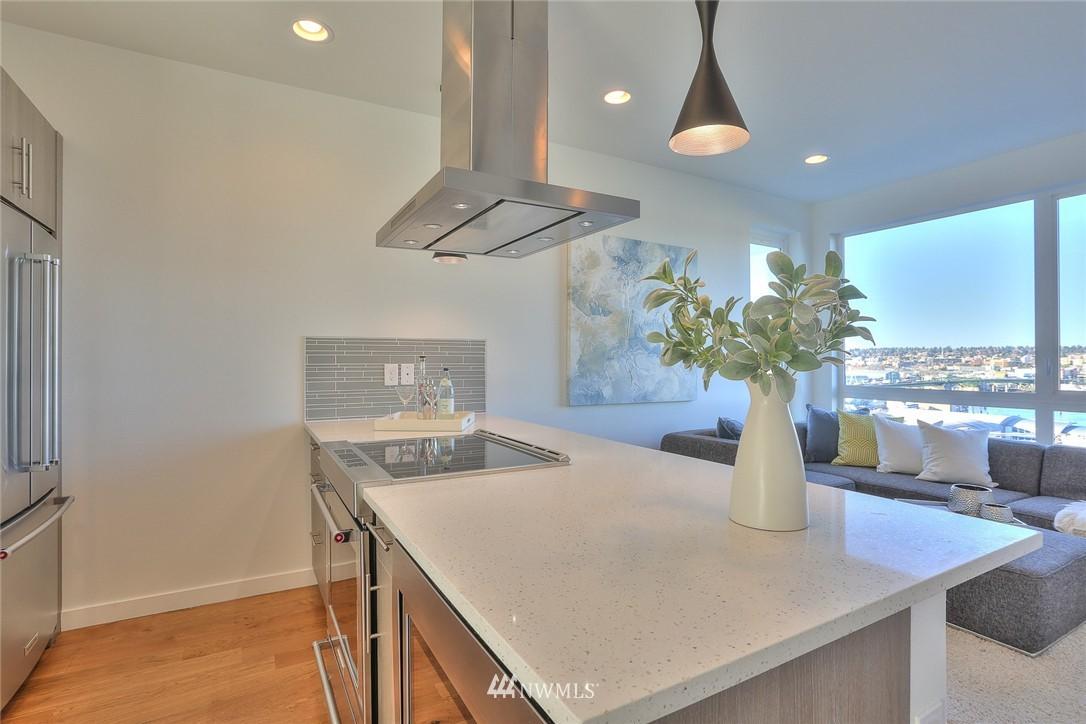 Sold Property   1220 W Emerson Street Seattle, WA 98119 10