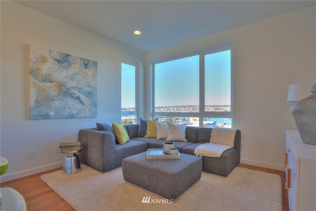 Sold Property   1220 W Emerson Street Seattle, WA 98119 12
