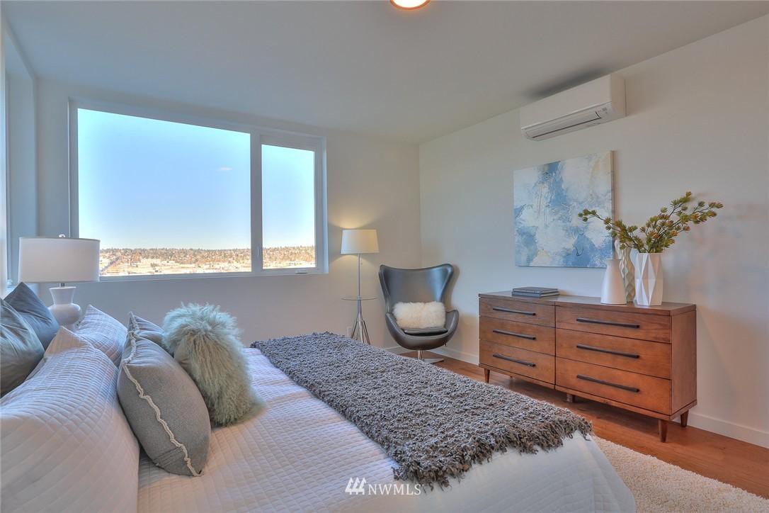 Sold Property   1220 W Emerson Street Seattle, WA 98119 14