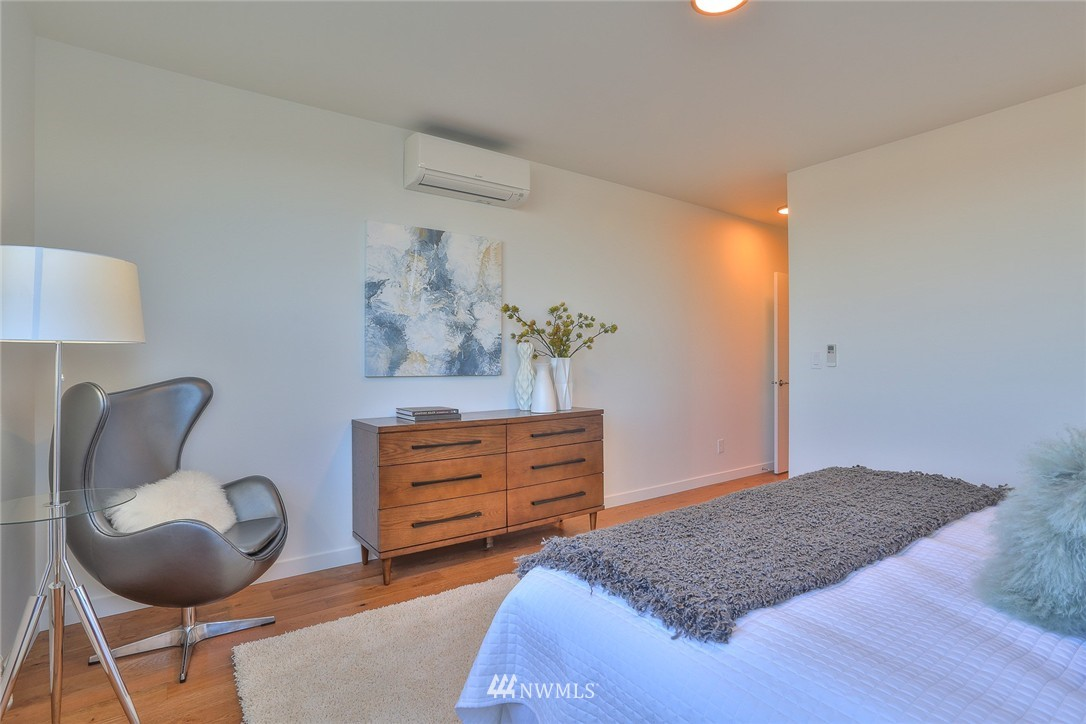 Sold Property   1220 W Emerson Street Seattle, WA 98119 15