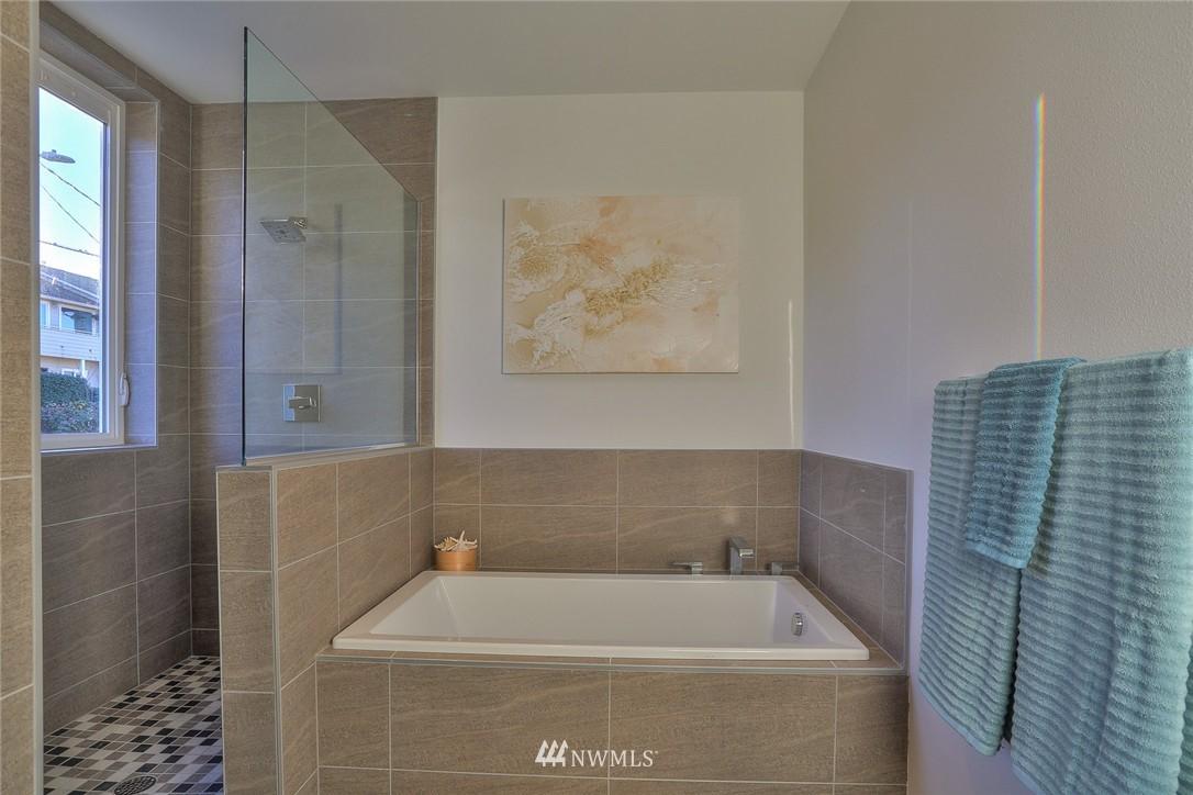 Sold Property   1220 W Emerson Street Seattle, WA 98119 18