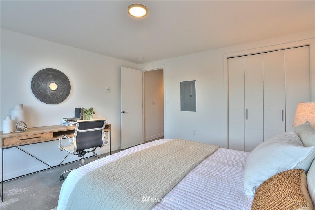 Sold Property   1220 W Emerson Street Seattle, WA 98119 20