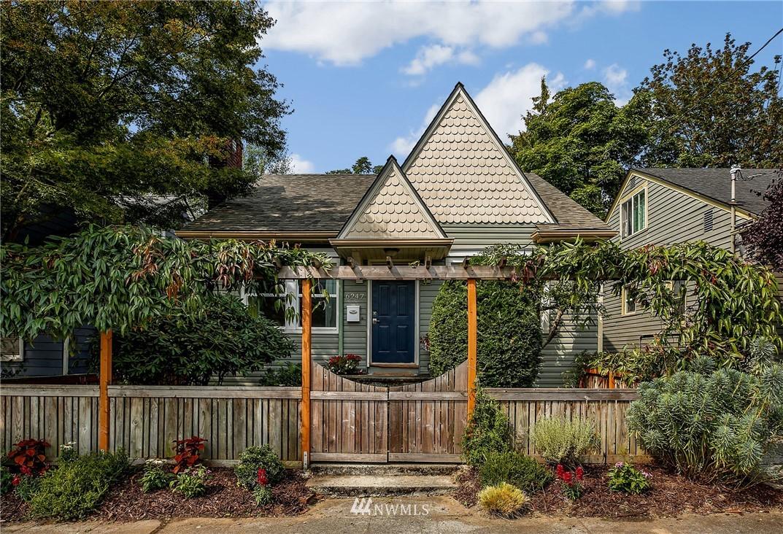 Sold Property | 6247 25th Avenue NE Seattle, WA 98115 0