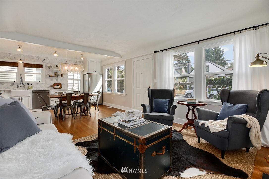Sold Property | 6247 25th Avenue NE Seattle, WA 98115 5
