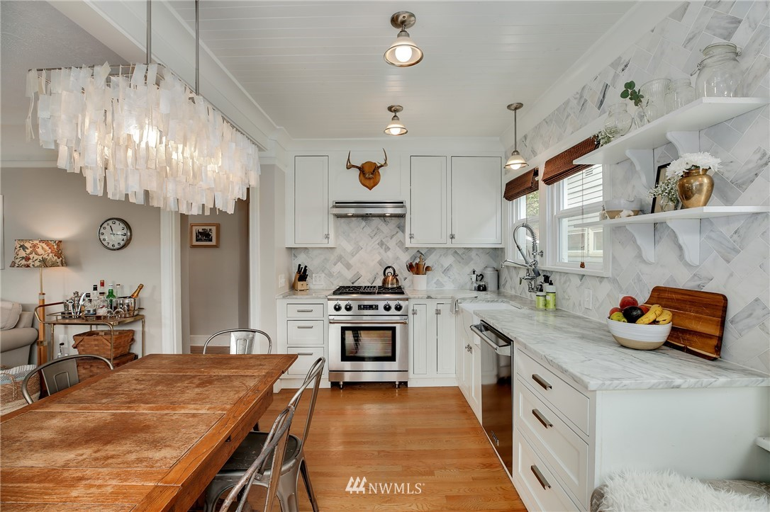 Sold Property | 6247 25th Avenue NE Seattle, WA 98115 7