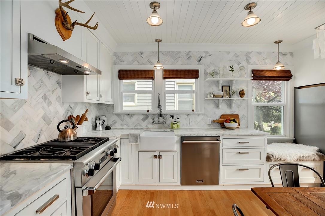 Sold Property | 6247 25th Avenue NE Seattle, WA 98115 8