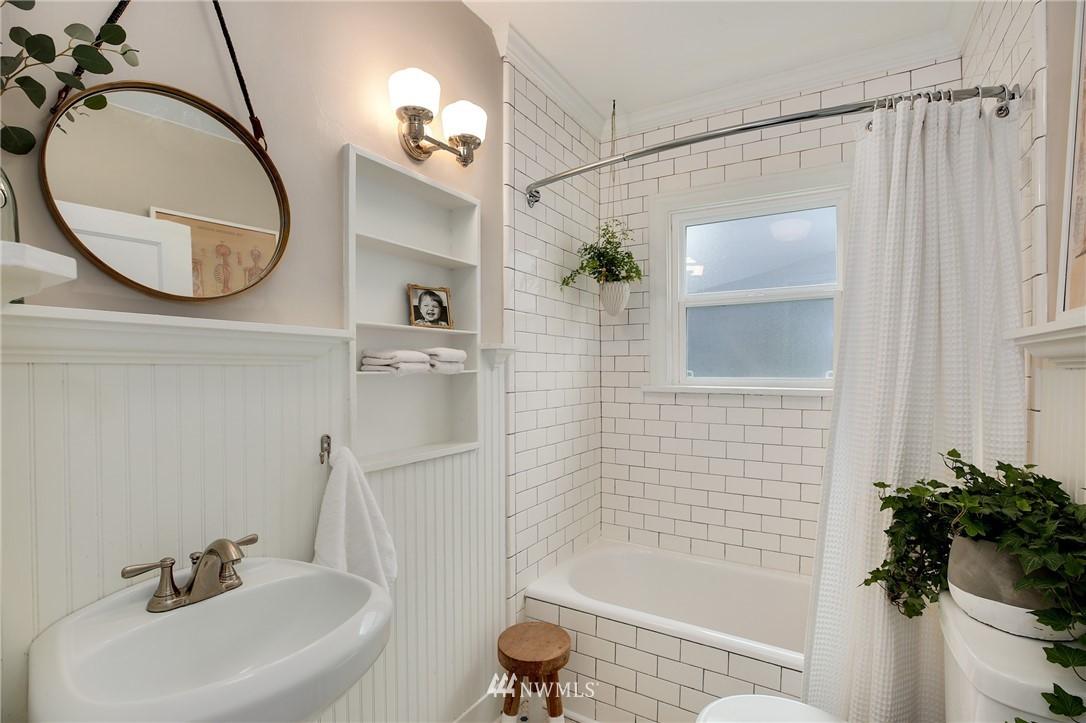Sold Property | 6247 25th Avenue NE Seattle, WA 98115 10
