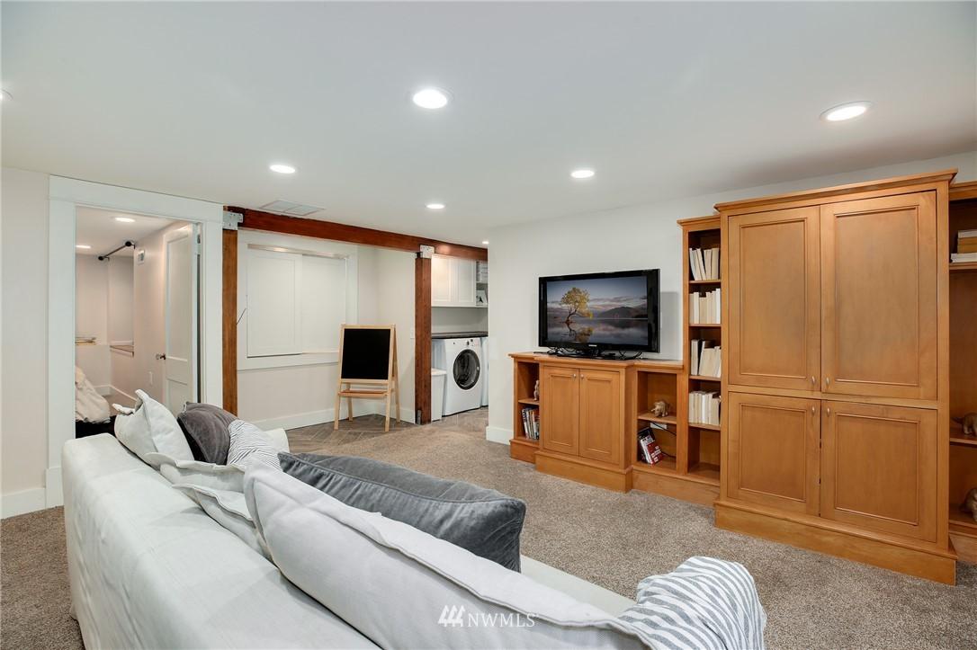 Sold Property | 6247 25th Avenue NE Seattle, WA 98115 13