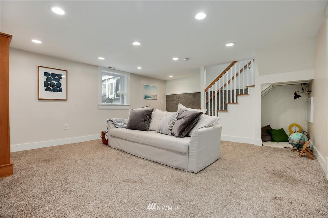 Sold Property | 6247 25th Avenue NE Seattle, WA 98115 15