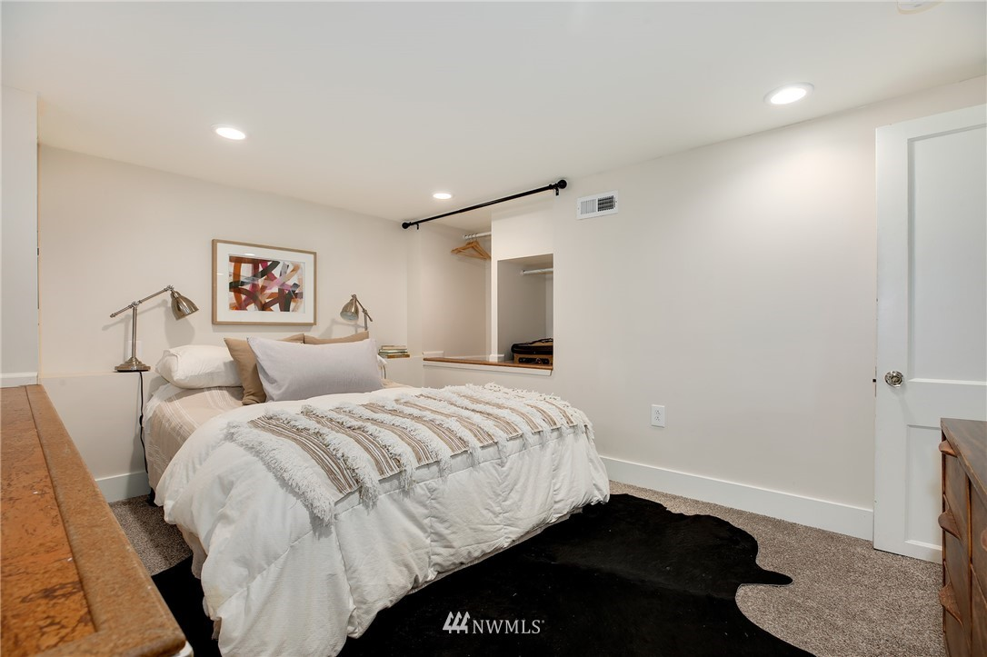 Sold Property | 6247 25th Avenue NE Seattle, WA 98115 17