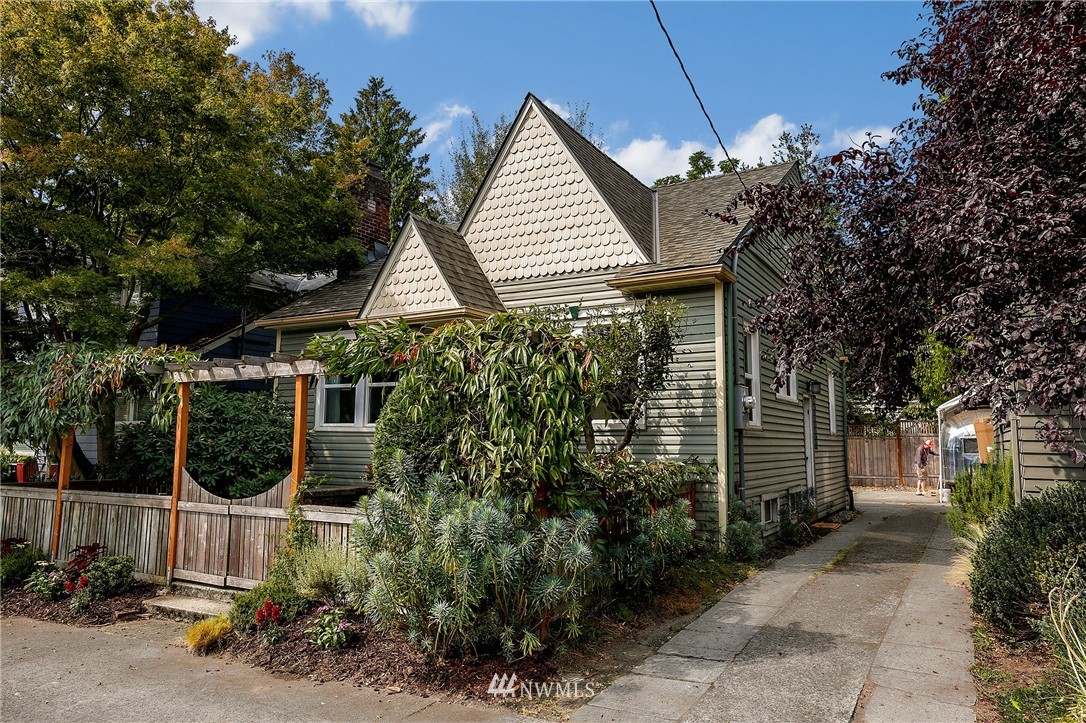 Sold Property | 6247 25th Avenue NE Seattle, WA 98115 23