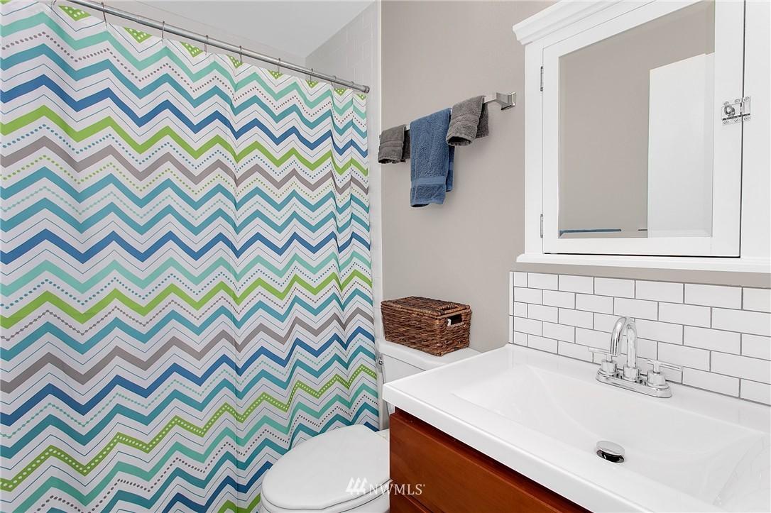 Sold Property   4915 SW Bruce Street Seattle, WA 98136 16