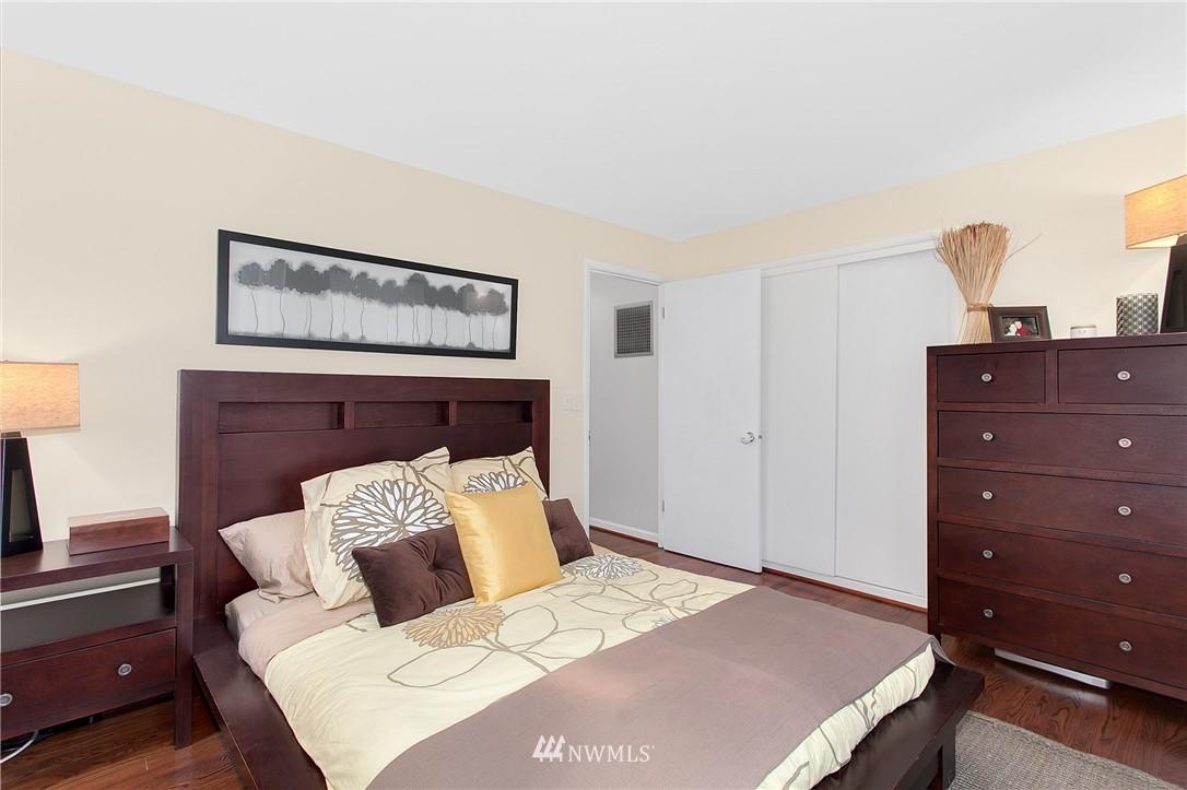 Sold Property   4915 SW Bruce Street Seattle, WA 98136 13