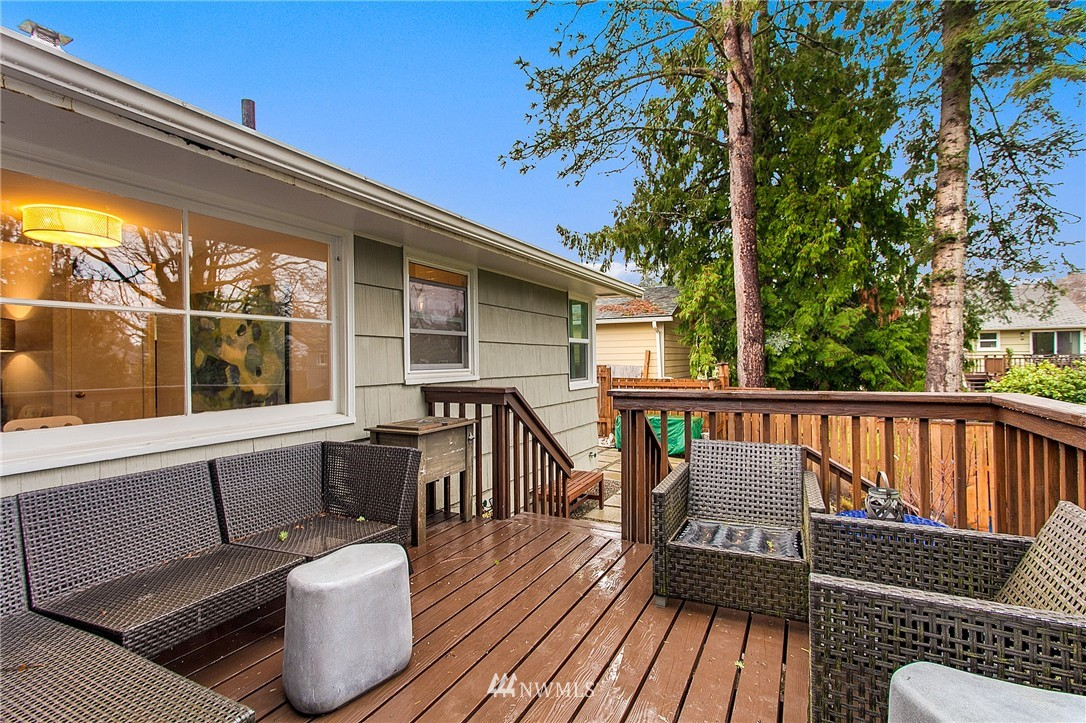 Sold Property   4915 SW Bruce Street Seattle, WA 98136 19