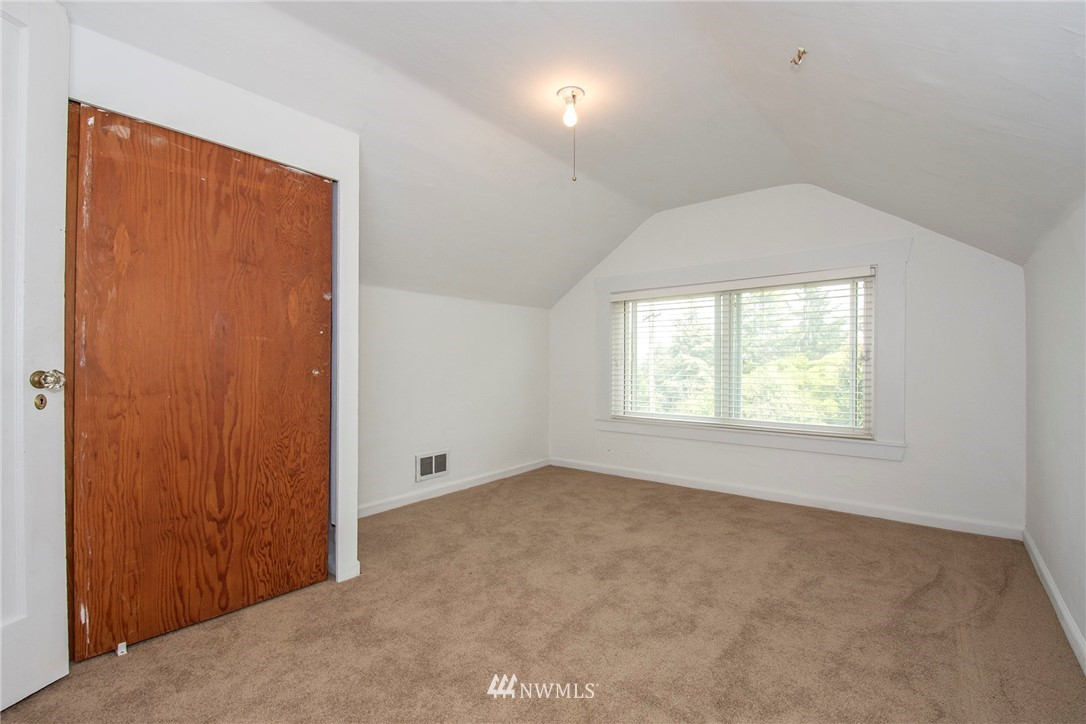 Sold Property   1236 S 101st Street Seattle, WA 98168 12