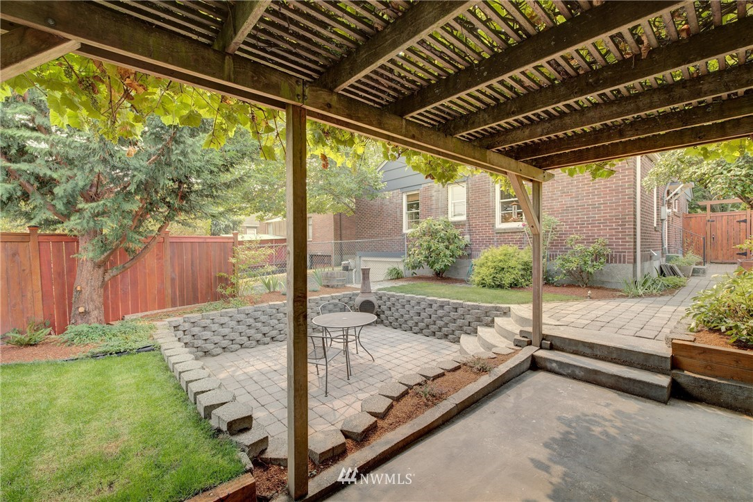 Sold Property | 8322 24th Avenue NW Seattle, WA 98117 19