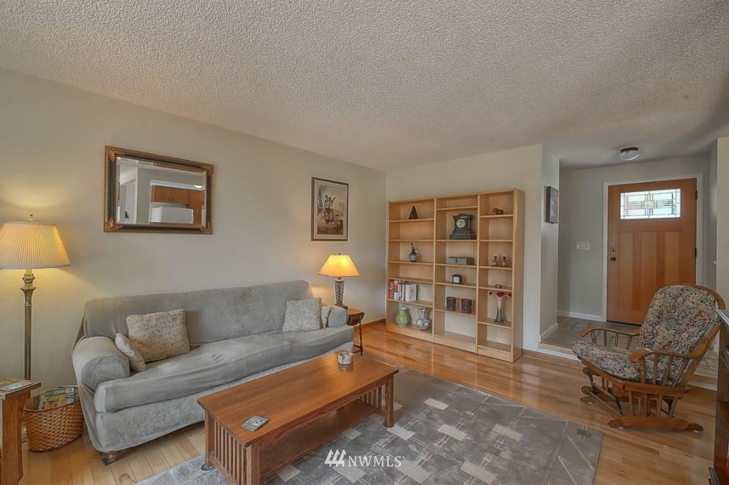 Sold Property | 3011 NE 194th Street Seattle, WA 98155 3