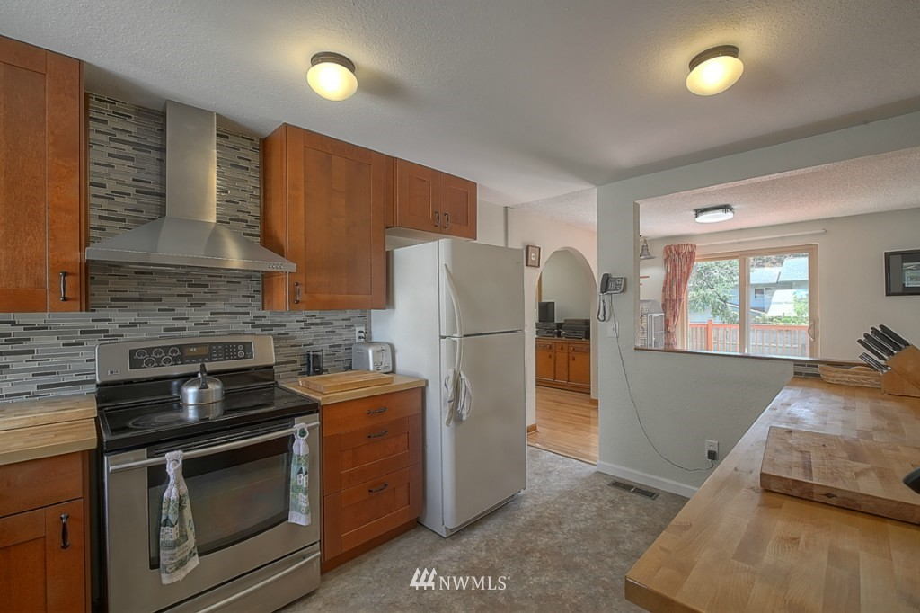 Sold Property | 3011 NE 194th Street Seattle, WA 98155 5